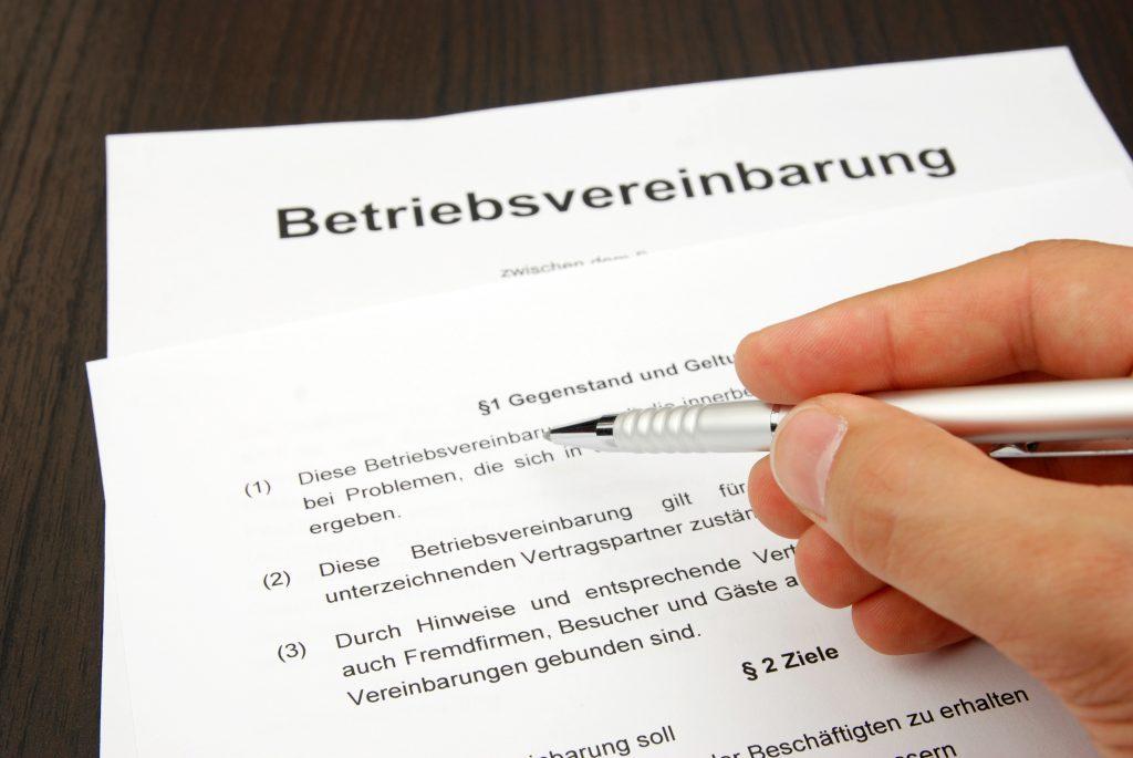 Betriebsvereinbarung (Symbolbild)