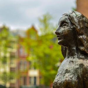 Statue zur Erinnerung an Anne Frank (Amsterdam)