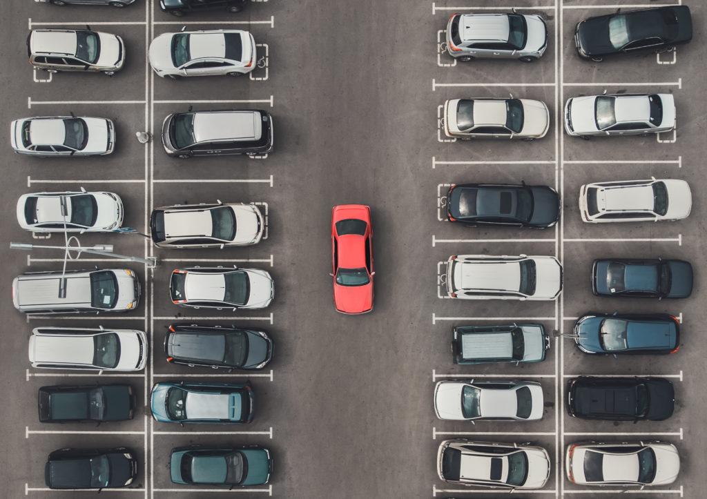 Überfüllter Parkplatz