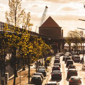 Feierabendverkehr und Stau in Hamburg.